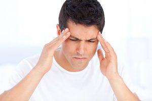 Merasakan sakit kepala