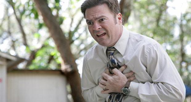 Lakukan Hal Berikut Saat Menolong Penderita Serangan Jantung Mendadak